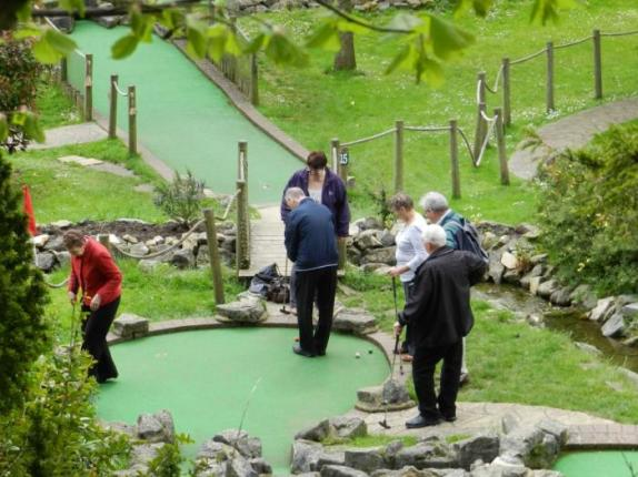02 Crazy golf in Bath